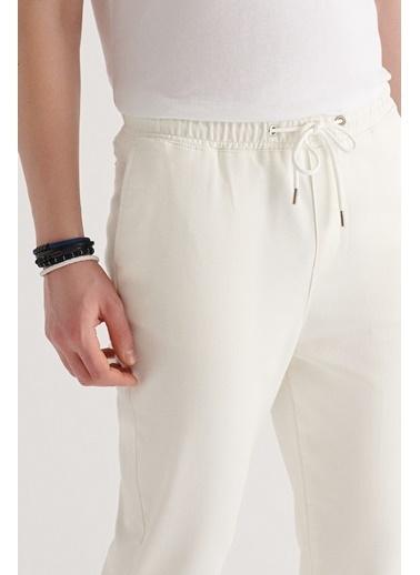Avva Erkek Yandan Cepli Beli Lastikli Kordonlu Düz Relaxed Fit Örme Pantolon A11Y3017 Beyaz